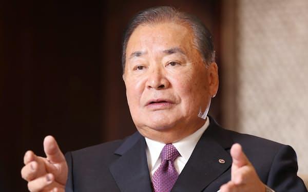たていし・よしお 1939年大阪市生まれ。62年同志社大経済学部卒、63年立石電機(現オムロン)入社、87年に社長。2003年に会長、11年に名誉会長に就く。07年から京都商工会議所会頭を務める。