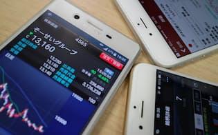 証券各社はアプリの利便性を競う