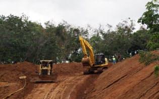 起工式から1年たったが、工事は整地作業にとどまる(1月30日、西ジャワ州のワリニ駅建設予定地)