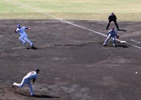 大きなリードからスタートを切る堂上(左上)。走塁の意識改革が再建への第一歩だ