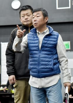 演出の鄭(右)とシャイロック役の孫