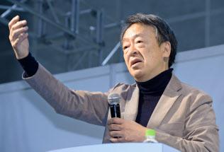 いけがみ・あきら 東京工業大学特命教授。1950年(昭25年)生まれ。73年にNHKに記者として入局。94年から11年間「週刊こどもニュース」担当。2005年に独立。主な著書に「池上彰のやさしい経済学」(日本経済新聞出版社)「いま、君たちに一番伝えたいこと」(同)「池上彰の18歳からの教養講座」(同)。新著「池上彰の君たちと考えるこれからのこと」(同)。長野県出身。66歳。