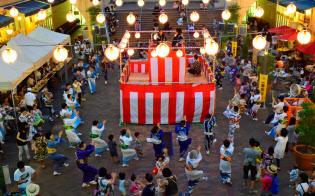 トレッサ横浜は盆踊り大会を開く(横浜市)