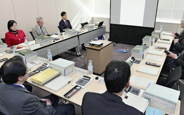 総務省で開かれた衆院選挙区画定審議会の会合(1月16日)