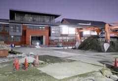 「森友学園」が取得した土地に開設を予定する小学校の建設現場(2月27日、大阪府豊中市)