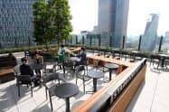 国内で地上から一番の高さとなる「スターバックスコーヒー名古屋JRゲートタワー店」(1日、名古屋市中村区)
