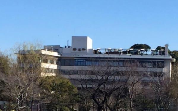 不忍池から望む西洋料理の草分け、精養軒上野本店