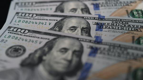 世界の企業、ドル債務膨張 米金利上昇に懸念