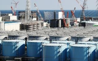 廃炉に向けた作業が進む東京電力福島第1原発(2016年10月、福島県大熊町)