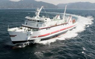 長崎県でも値下げする航路は多い(九州商船=長崎市=の「フェリー万葉」)