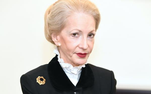 バーバラ・ジャッジ氏 英国経営者協会会長、LIXILグループの社外取締役 米ニューヨーク大法科大学院修了。2004~10年英原子力公社会長。15年5月から英経営者協会会長を務める。70歳。