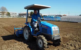 武山さんはトラクターなどほとんどの農機を中古で買いそろえた
