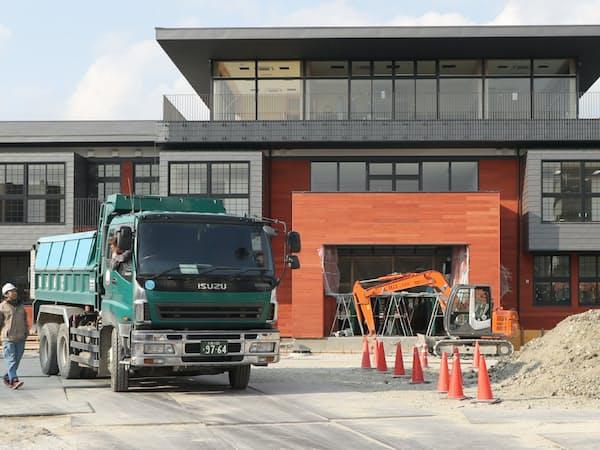 「森友学園」が取得した土地に開設を予定していた小学校の建設現場(大阪府豊中市)