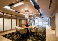 チャーム・ケアの高級ホームはホテルのような高級感を演出する(東京・新宿のチャームプレミア目白お留山)