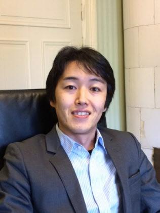 ストックホルム商科大学の佐藤吉宗博士研究員