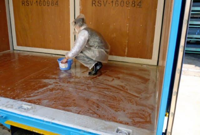 輸送用コンテナは「宗教洗浄」と呼ばれる手法で清める