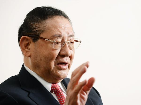自民党元副総裁の山崎拓氏