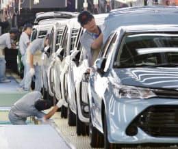 個人消費は0.5%増と、2四半期ぶりにプラスだった(トヨタ自動車の生産ライン)