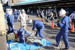 築地市場で行われた土壌調査(5月2日、東京都中央区)
