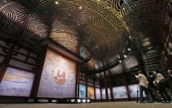 9日、報道陣に公開された奈良市の世界遺産、薬師寺の食堂(じきどう)=水戸部友美撮影