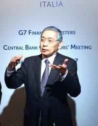イタリア・バリで質問に答える黒田日銀総裁