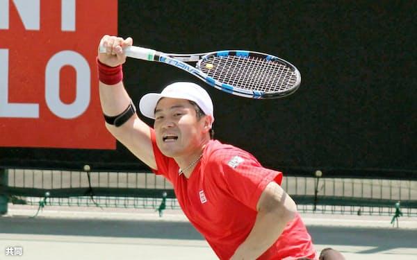 車いすテニスのジャパンオープン男子シングルス2回戦で敗れた国枝慎吾(18日、福岡県飯塚市)=共同