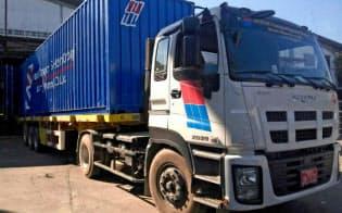 日新運輸は自社トラックで物流サービスを始める(ミャンマーのミャワディー)