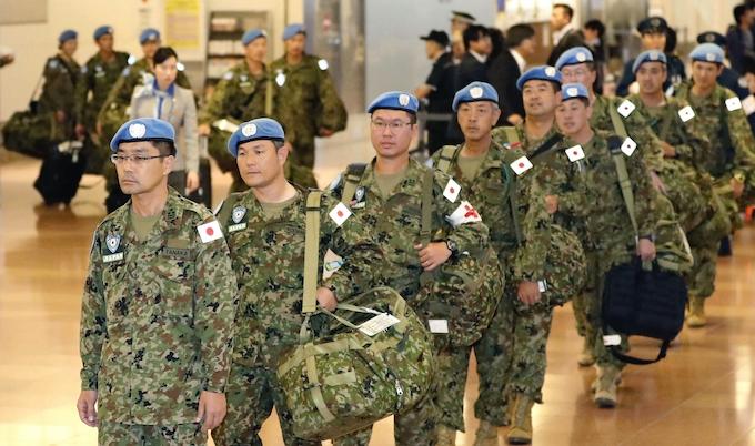 南スーダンPKO部隊、最後の40人が帰国: 日本経済新聞