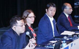 「AI・ビッグデータが生み出す新ビジネス」で討論する(左から)エイピアのチハン・ユーCEO、ルミノソ・テクノロジーズのキャサリン・ハバシCEO、エヌビディアの大崎真孝日本代表兼米国本社副社長、タタコンサルタンシーサービシズのアナンス・クリシュナン執行副社長兼CTO(29日、東京都千代田区)