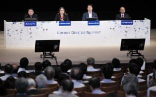 討論する(左から)エイピアのチハン・ユーCEO、ルミノソ・テクノロジーズのキャサリン・ハバシCEO、NVIDIAの大崎真孝日本代表兼米国本社副社長、タタコンサルタンシーサービシズのアナンス・クリシュナン執行副社長兼CTO(5月、東京都千代田区)