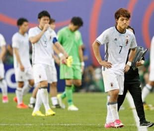 延長戦でベネズエラに敗れはしたが、日本は充実した守備を見せた=共同