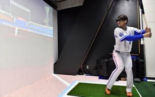 DeNAは米大リーグの複数球団が使う打撃練習用のVR機器を今季導入した