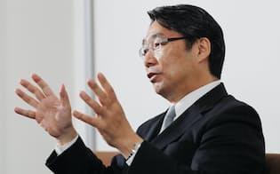 インタビューに答える前川喜平・前文部科学次官(2日、東京・大手町)