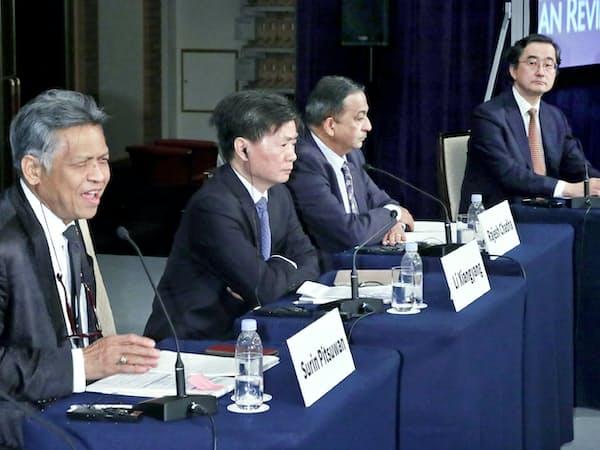 「保護主義の台頭と自由貿易のゆくえ」について討論するパネリスト(5日、東京都千代田区)