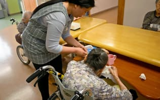 メディカル・ケア・サービスの施設で働くフィリピン人の服部リリベスさん