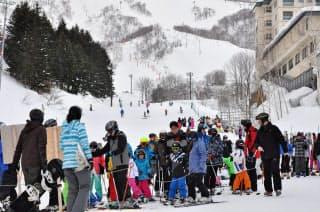 送迎の準備が整い、上客が引きも切らないのは北海道ニセコなど一部の地方だけに限られる