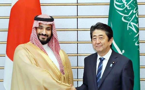 サウジはムハンマド副皇太子の主導で経済改革を進めている(昨年9月の来日時、首相官邸)