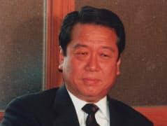 新進党5役会議に臨む小沢一郎党首(1997年7月1日、国会内)