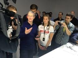 iPhoneの強固な調達網を築き上げたアップルのクックCEO