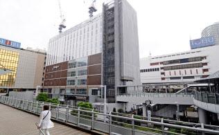 JRや東武線、京成線が集まる船橋駅周辺は西武や東武など大型店が多く駅ビルも建設中