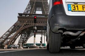 自動車メーカーは対応の加速を迫られる=ロイター