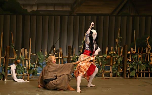 大阪松竹座で上演中の「夏祭浪花鑑」は殺しの場面では様々な見得を見せる