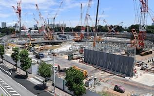 工事が進む新国立競技場の建設現場(14日)