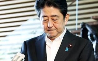 安倍内閣が「株価連動政権」と呼ばれたのは今や昔……(7月28日、首相官邸)