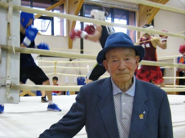 おおがめ・たかひろ 1931年愛媛県丹原町(現・西条市)生まれ。愛媛県立西条南高校卒業後、52年愛媛県庁に。58年大亀商事、63年ダイキ設立。77年愛媛県体育協会副会長、99年同会長。