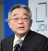 記者会見するジャパンディスプレイの東入来信博会長兼CEO(9日午後、東京都港区)