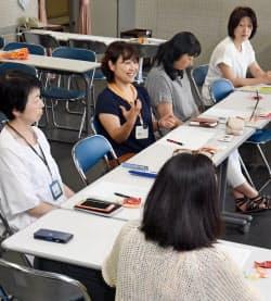 起立性調節障害の子供を持つ親が悩みを共有する「Aliceの会」(7月、神戸市中央区)