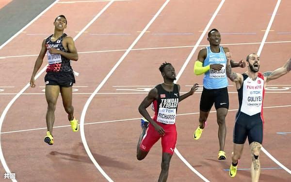 男子200メートル決勝 20秒63の7着でゴールしたサニブラウン・ハキーム(左端)。右端は優勝して喜ぶラミル・グリエフ(10日、ロンドン)=共同