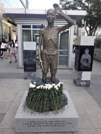 ソウルに設置された徴用工像