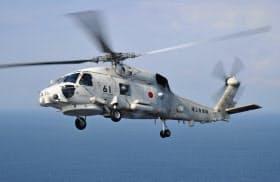 青森県の竜飛崎沖で墜落した可能性がある海上自衛隊哨戒ヘリコプターSH60Jの同型機=海自提供・共同
